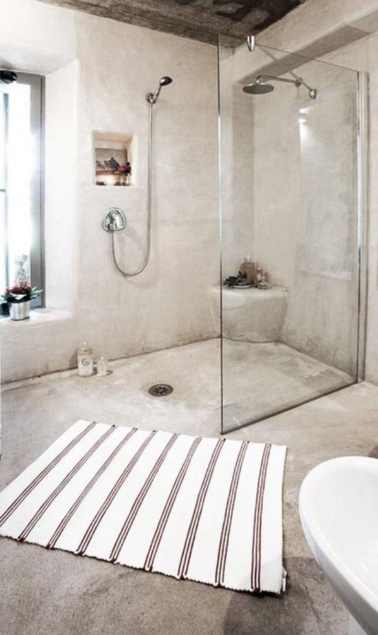 Badkamer met aardetinten