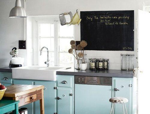 Blauwe details in de keuken