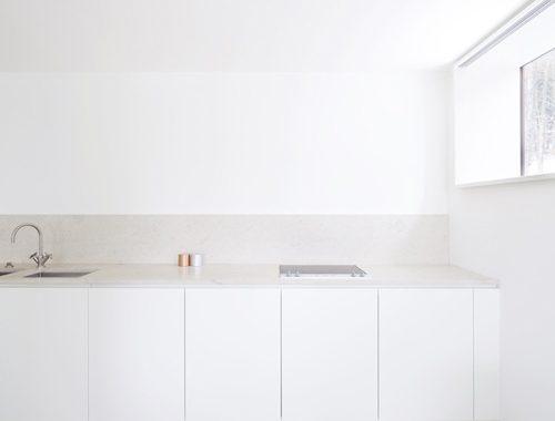 Minimalistische witte keukens