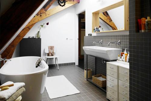 Voormalig badhuis als woning