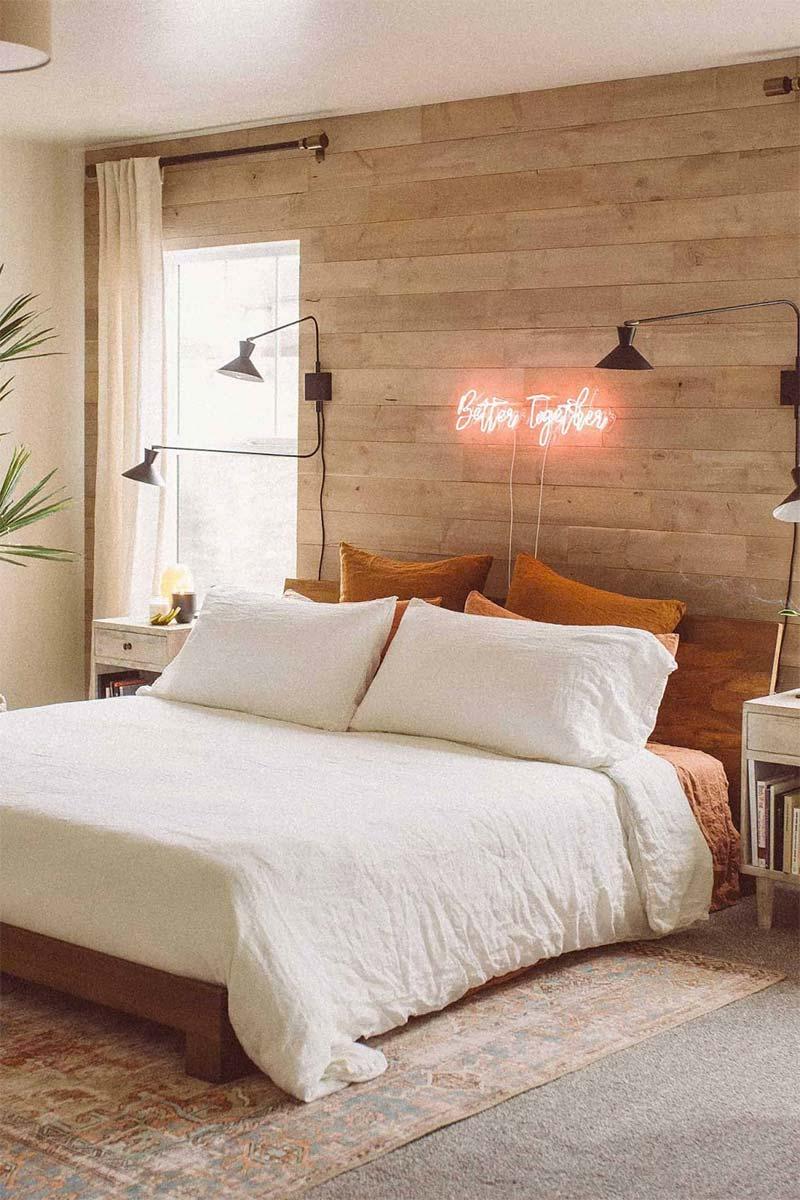 accentmuur houten wandbekleding slaapkamer