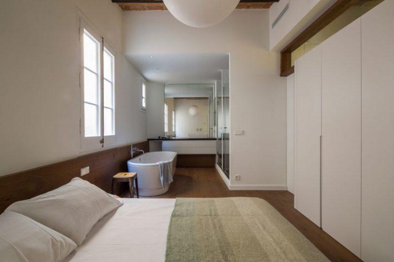 bad naast bed