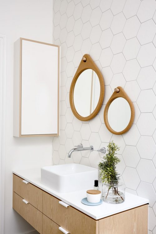 Badkamer ontwerp met zeshoekige tegels