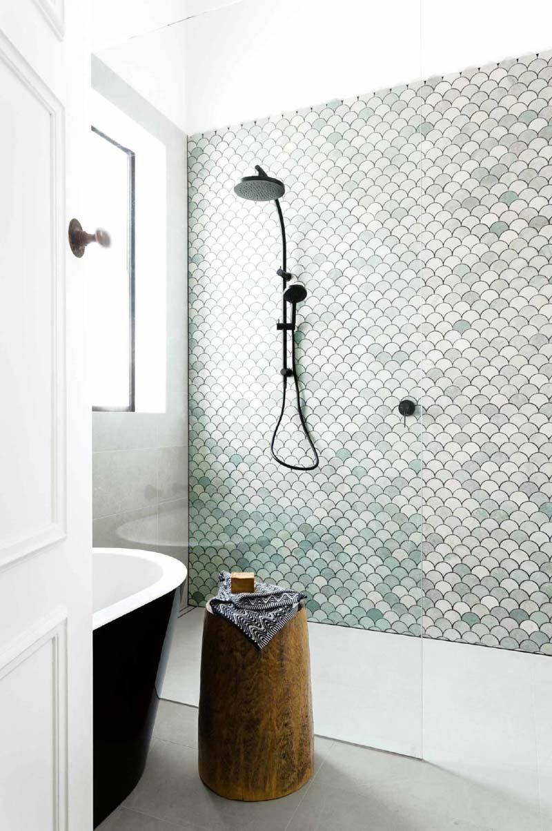 Badkamer renoveren tips - schubben tegels