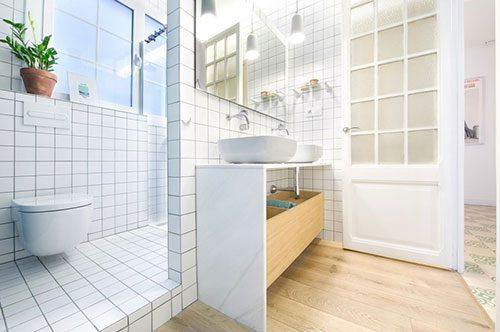 Badkamer met twee gedeeltes
