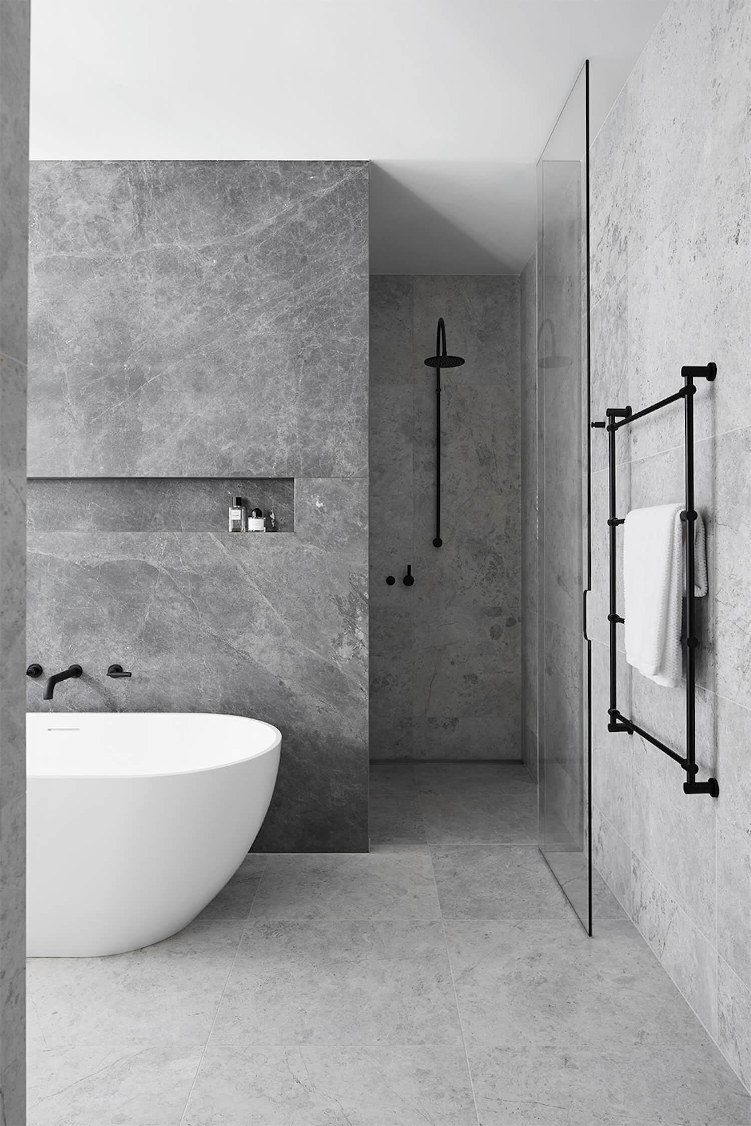 Badkamers voorbeelden vrijstaand bad