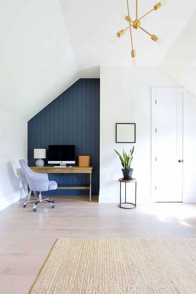 blauwe accentmuur werkplek slaapkamer