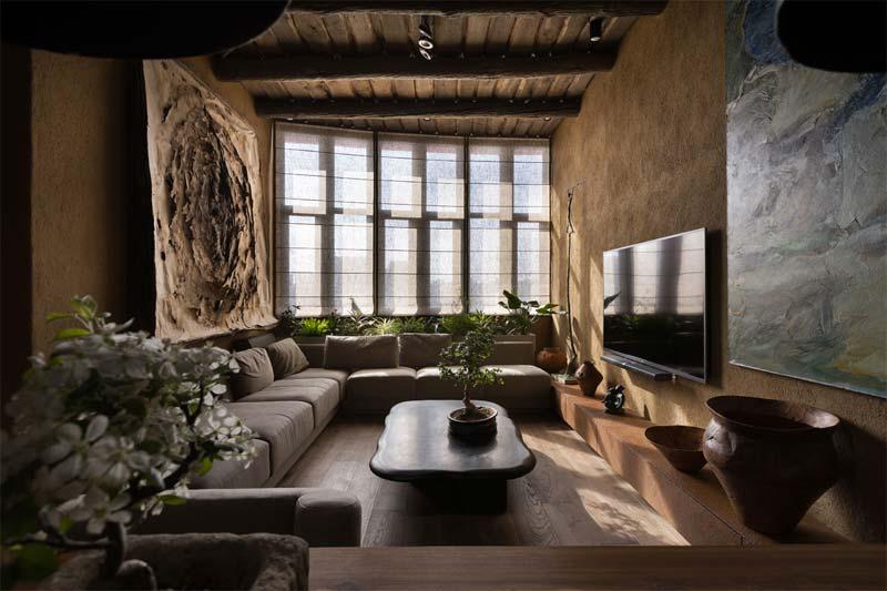 bonsai boom op salontafel woonkamer