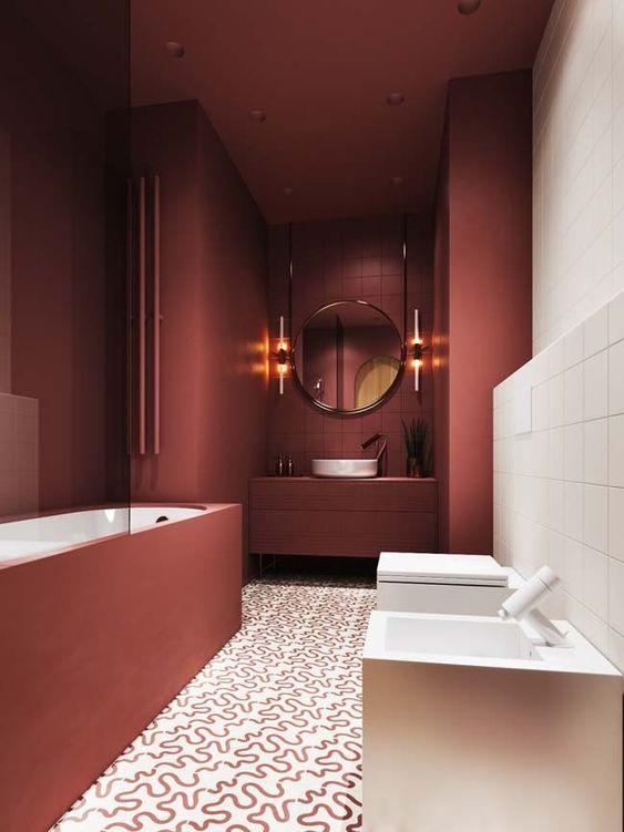 Bordeauxrode badkamer