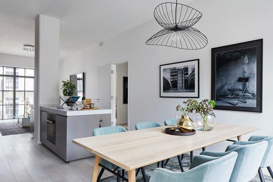 Dit Scandinavisch appartement is super strak afgewerkt en erg chique ingericht!