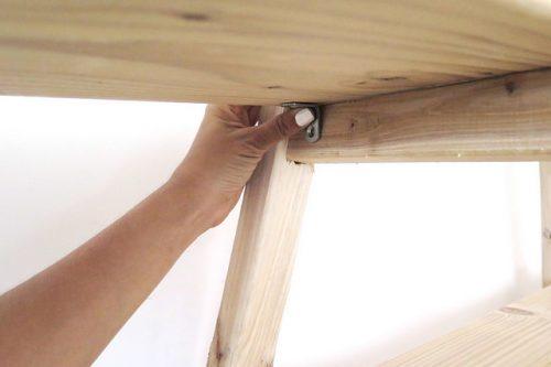 Diy Planken Inrichten : Diy driehoek kast