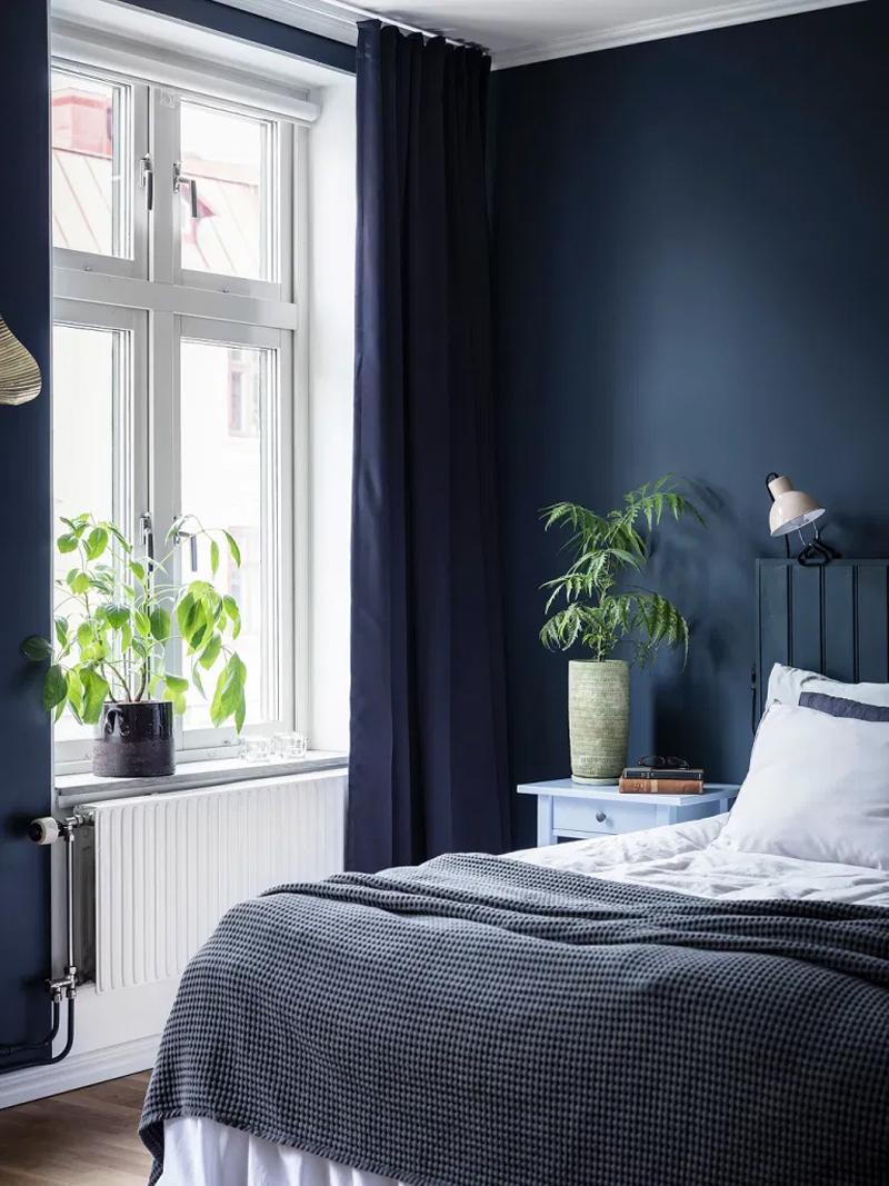 donkerblauw interieur-donkerblauwe muren slaapkamer