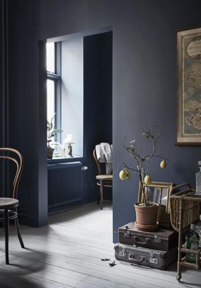 donkerblauw interieur muren