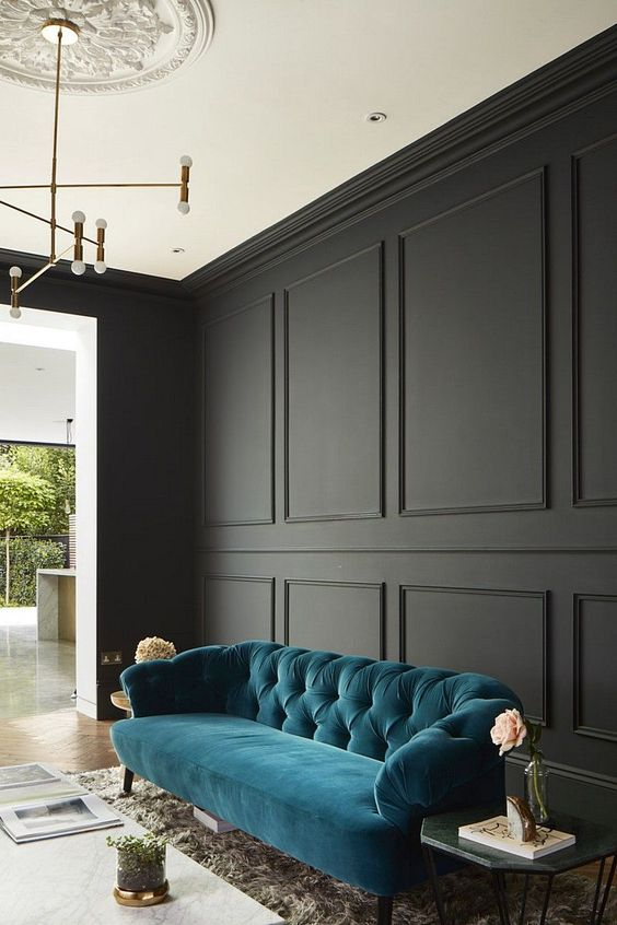 donkergrijs interieur turquoise