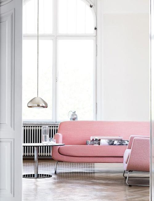 Een roze bank