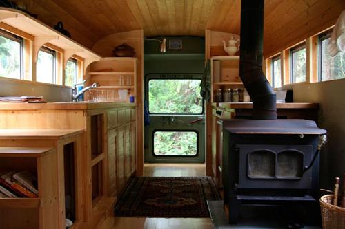 Een schoolbus als rijdende huis
