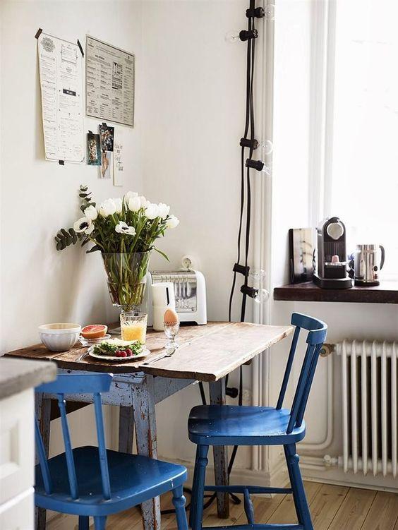 Eettafel in een kleine of smalle keuken