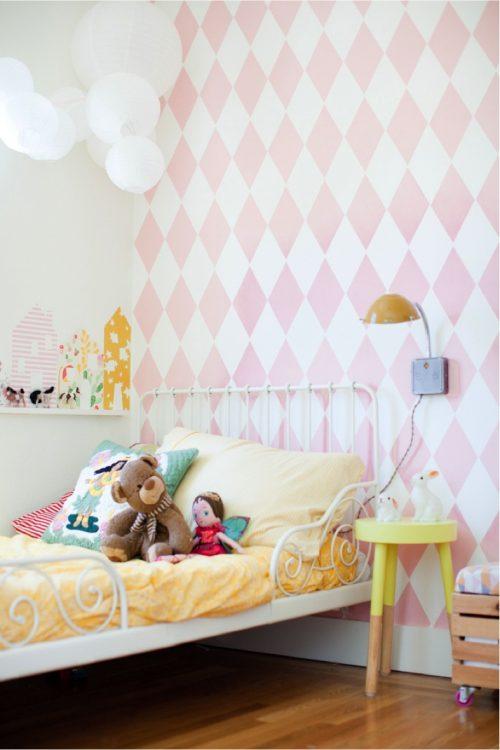 Flexibele roze meisjeskamer