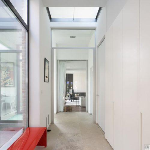 Glazen deur in hal