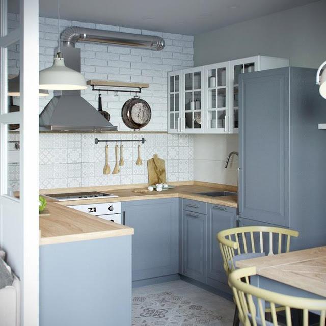 grijs-blauwe-keuken-houten-werkblad
