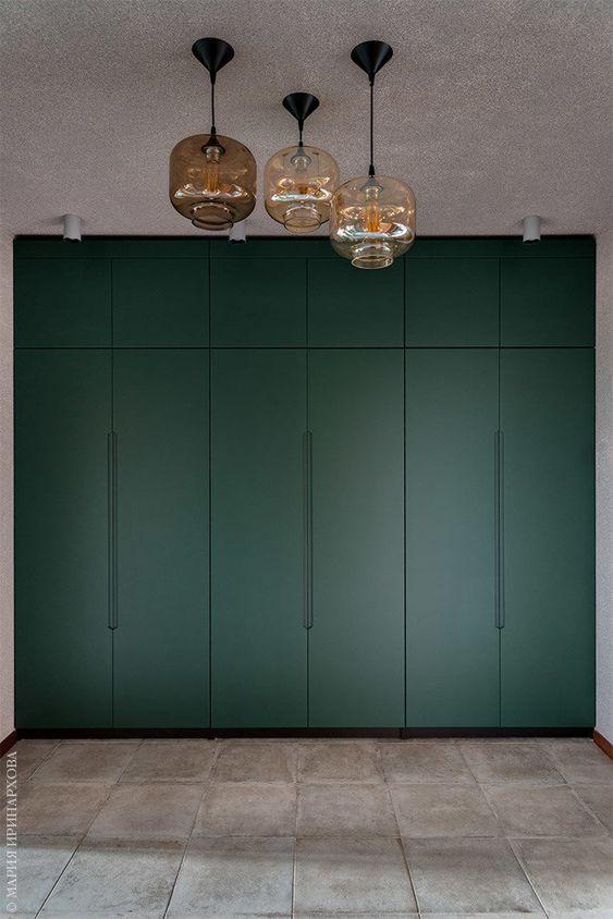 groene kledingkast slaapkamer