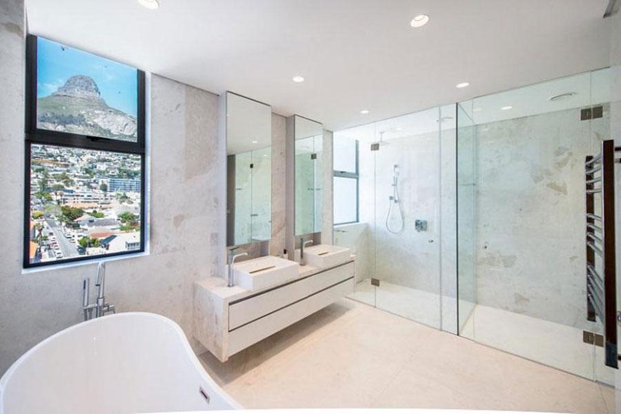 grote badkamers voorbeelden penthouse