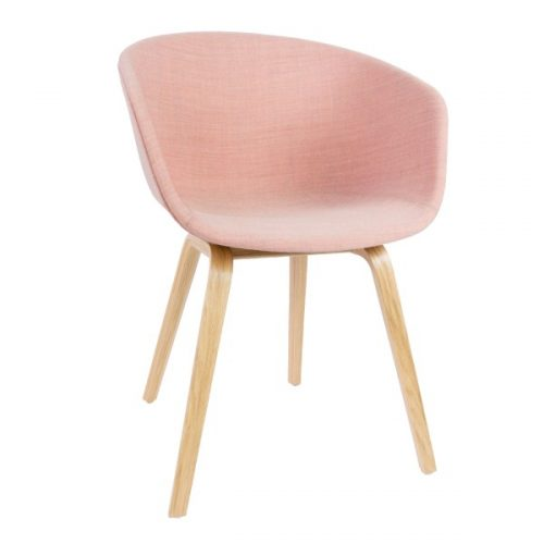hay-about-a-chair-pastel-roze