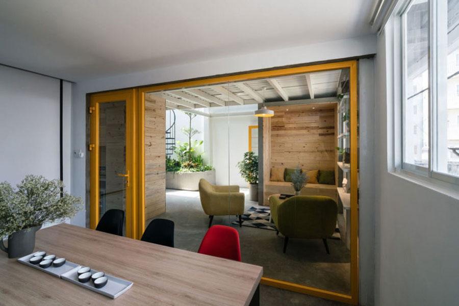 Het stoere kantoor van architectenbureau Nhat Viet JSC