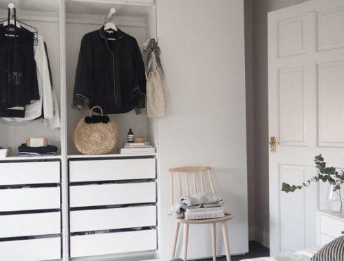 hoge kledingkast slaapkamer