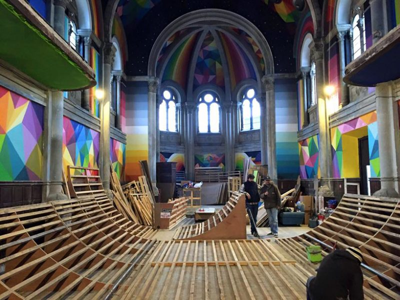 Honderd jaar oude kerk omgetoverd tot kleurrijk skatepark