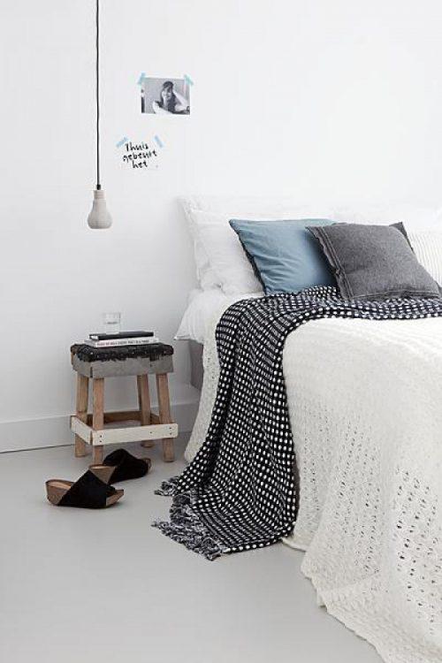 houten krukje nachtkastje