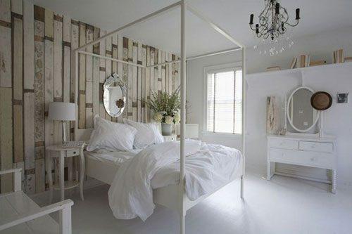 Houten muur in slaapkamer