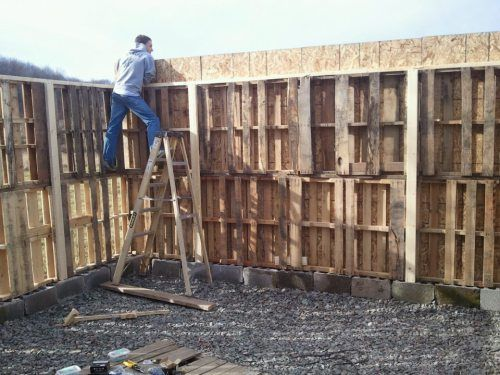 houten pallet tuinafscheiding hoog