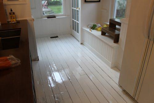 houten-vloer-schilderen-in-keuken-4
