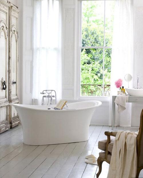 Houten vloer wit in badkamer