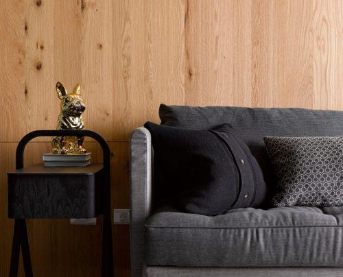 Houten wand in woonkamer