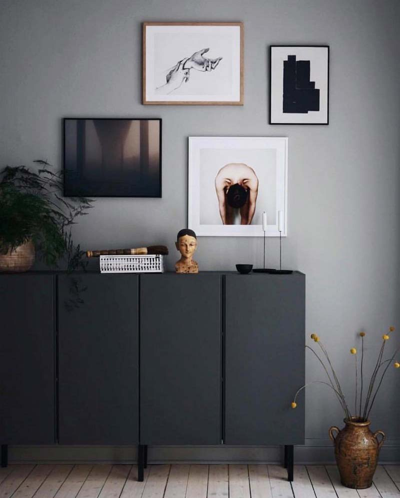 Deze IKEA Ivar kast is stoer zwart geschilderd!