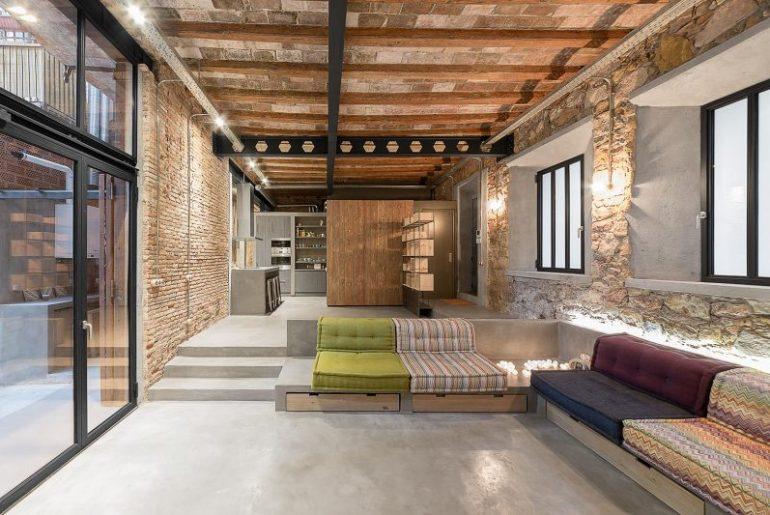 Industrieel interieur bakstenen muur woonkamer