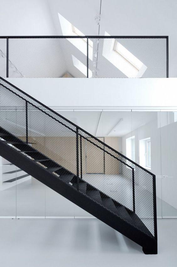 industrieel interieur stalen trap kantoor