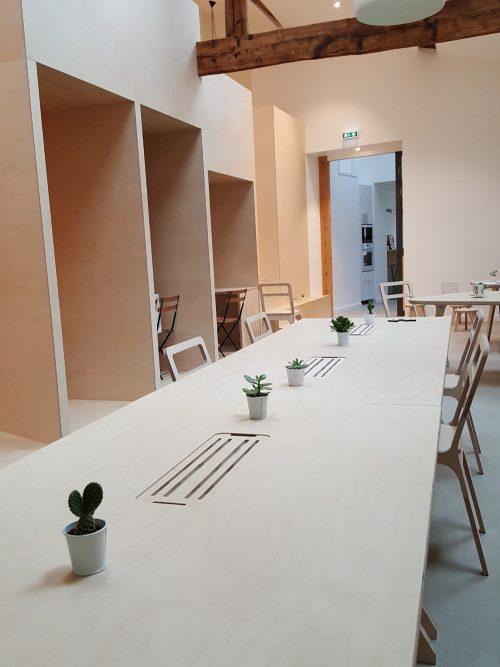 Industriële minimalistische flexwerkplek
