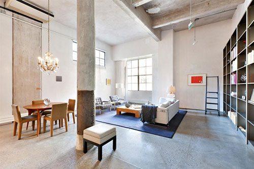 Industriële woonkamer van een loft uit New York