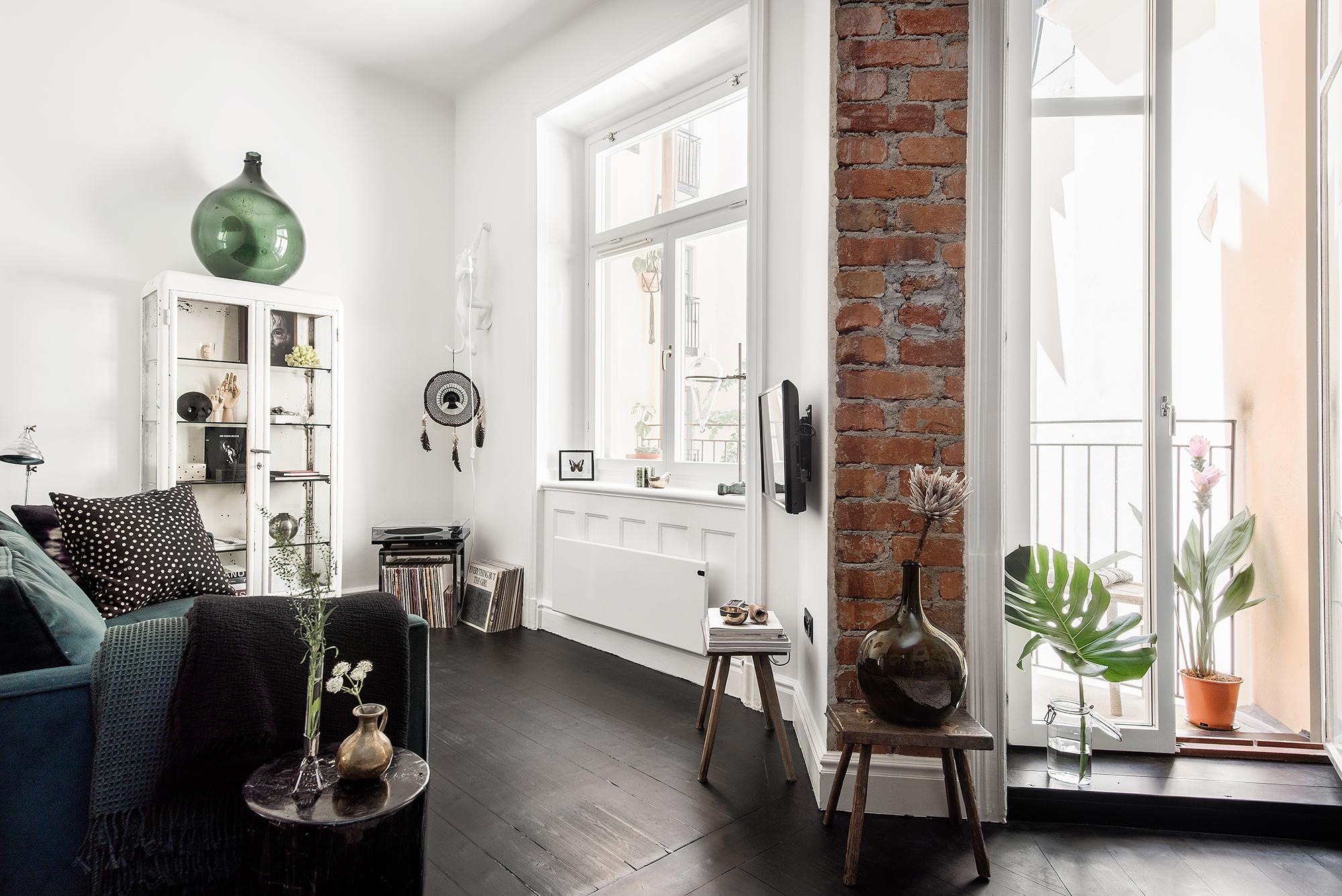 Inspiratie Kleine Woonkamer : Inspirerende kleine woonkamer van appartement van 42m2 huis