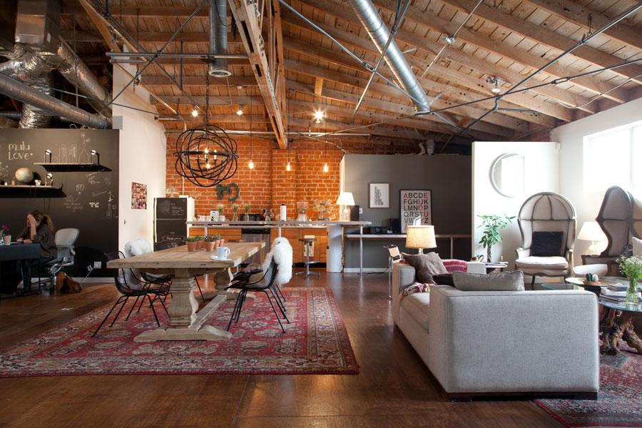 kantoor inrichten tips lounge grote tafel