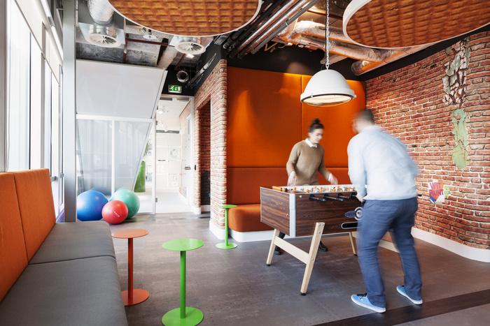 kantoor inrichten tips tafelvoetbal google