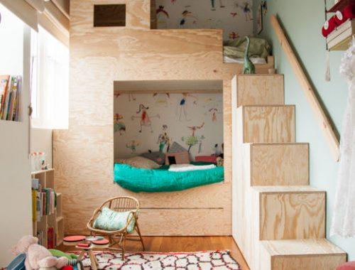 Kinderkamer met underlayment stapelbed
