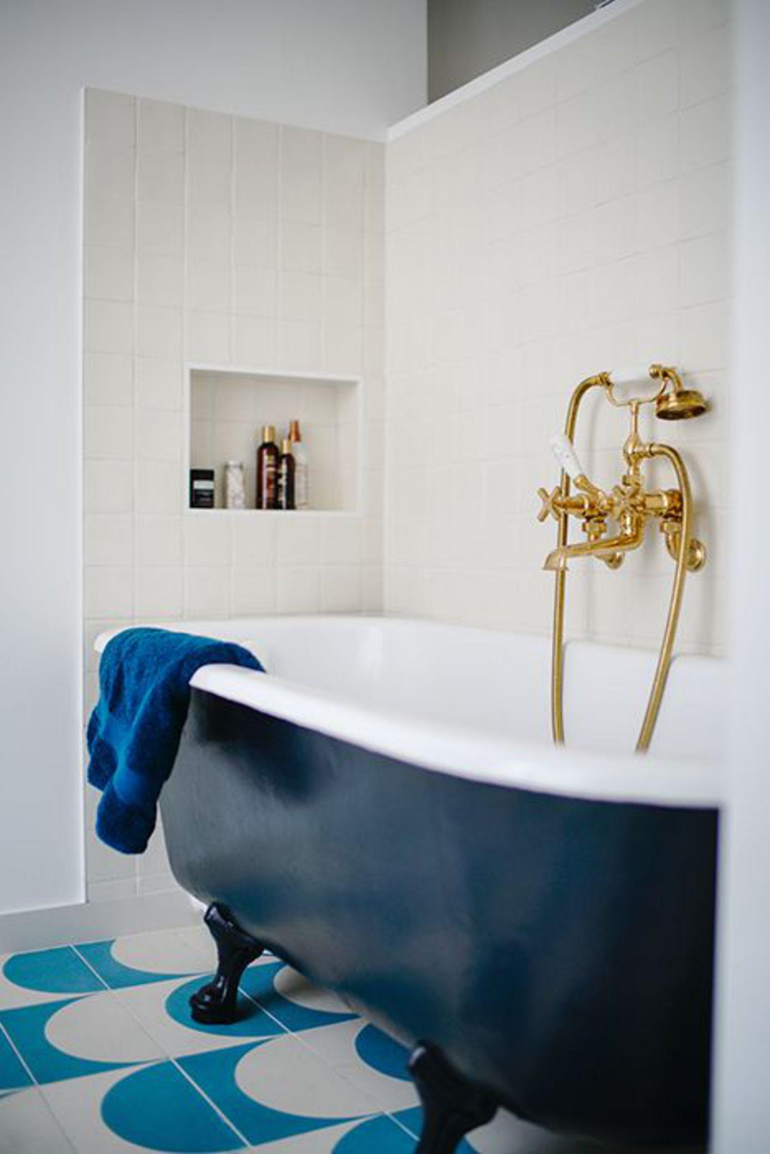 klassieke badkamers voorbeelden bad op pootjes