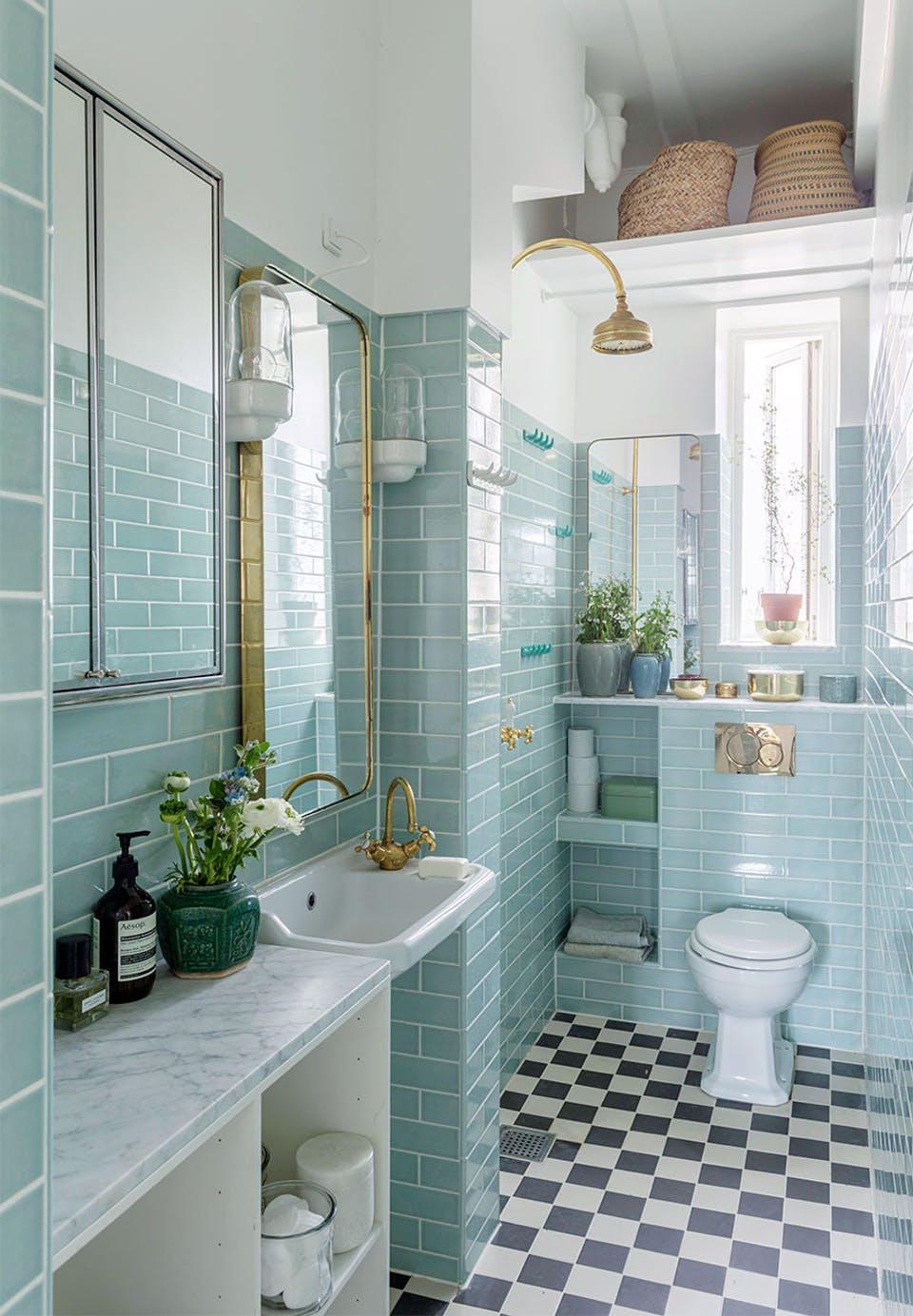 klassieke badkamers voorbeelden mintgroene tegels
