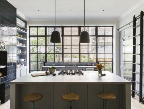 Klassieke landelijke keuken in herenhuis