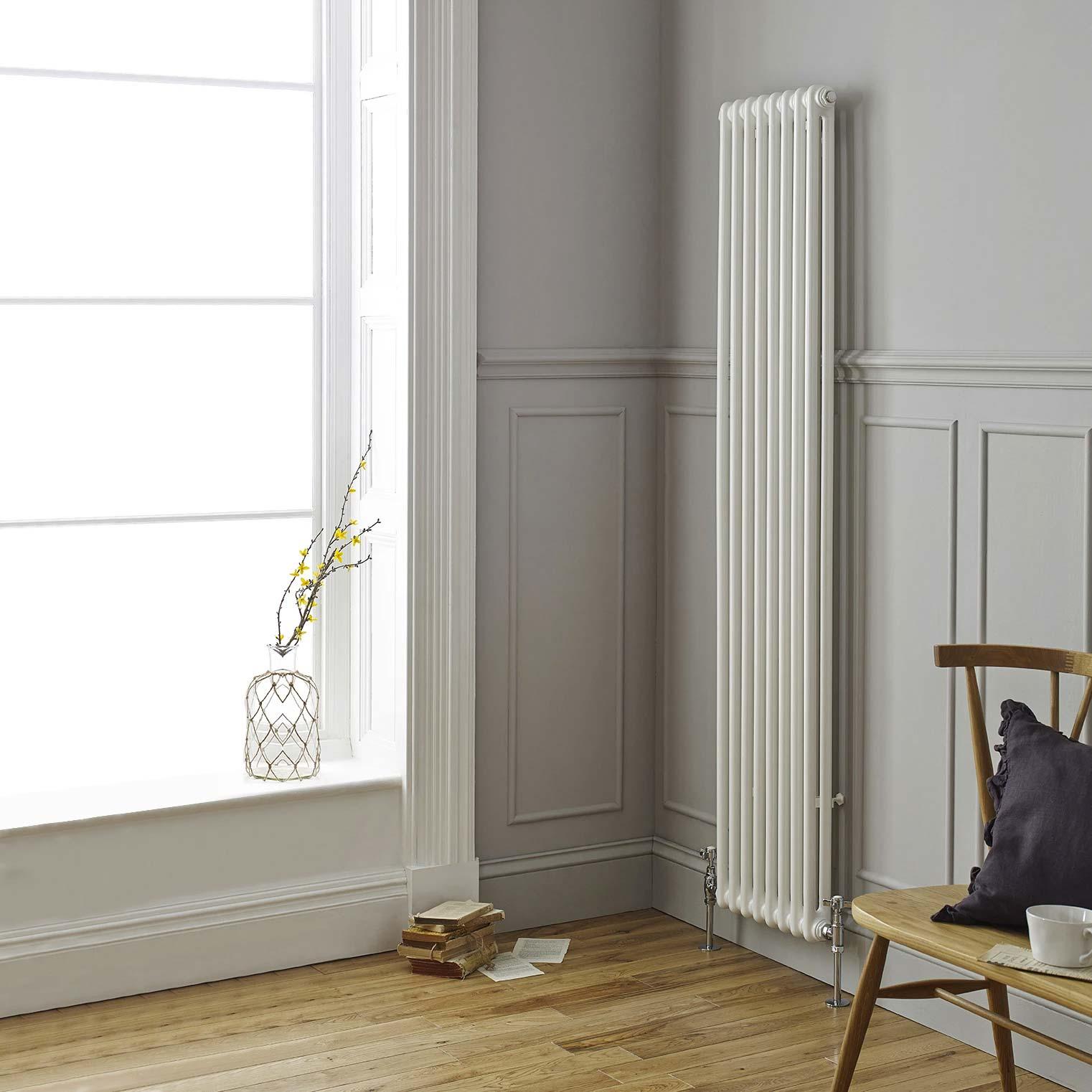 In een chique interieur hoort natuurlijk ook een bijpassende chique radiator. Deze witte verticale radiator is de perfecte keus!