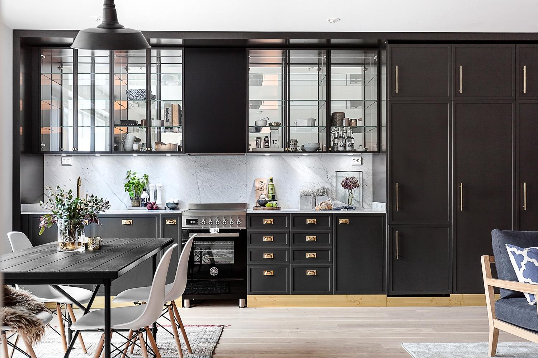 Open Keuken Inspiratie : Klassieke zwarte open keuken huis inrichten